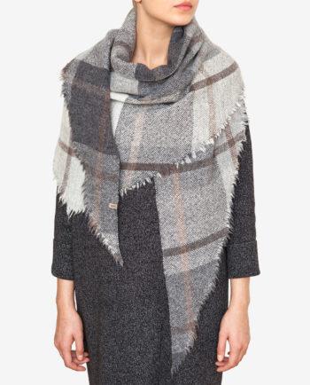 Checked shawl