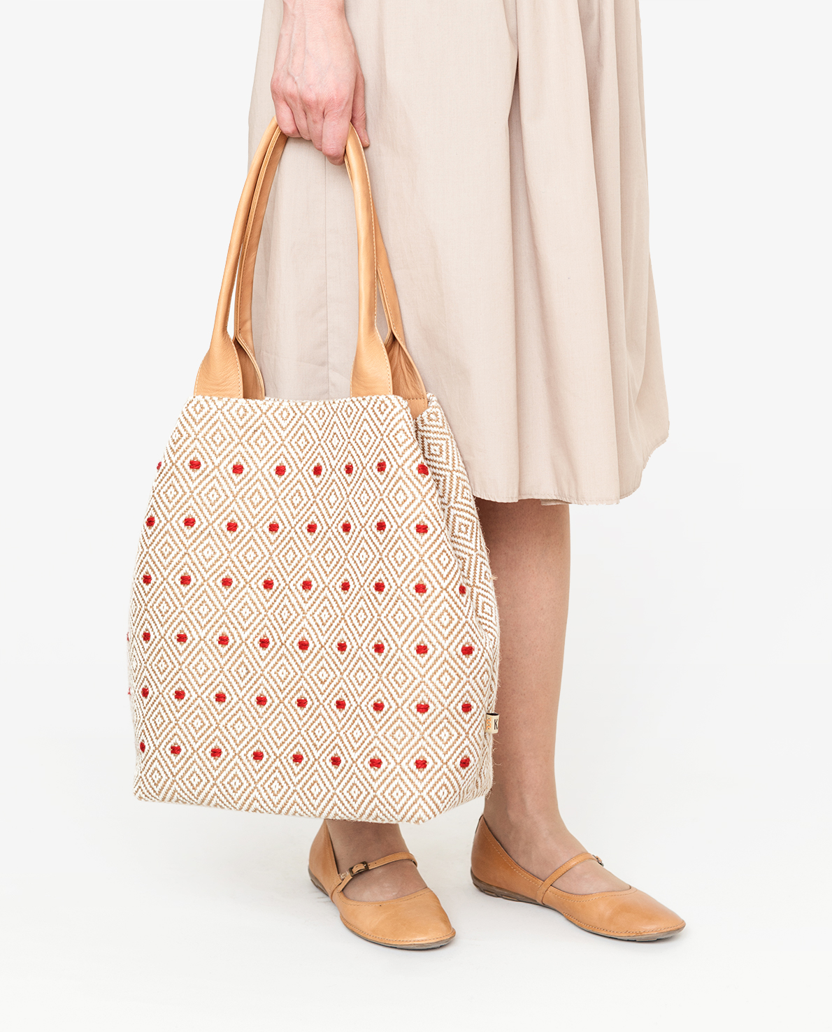 Tote bag with red dots